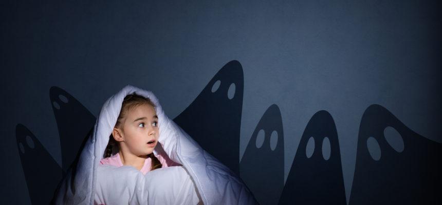 Pět rad, jak dítě zbavit strachu ze tmy