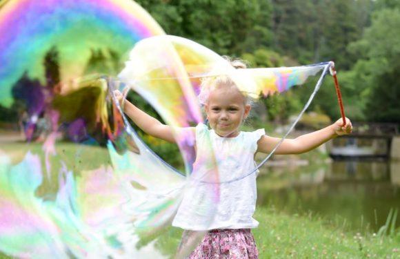 Ty největší a nejkrásnější bubliny vykouzlíte s Megabublinou!